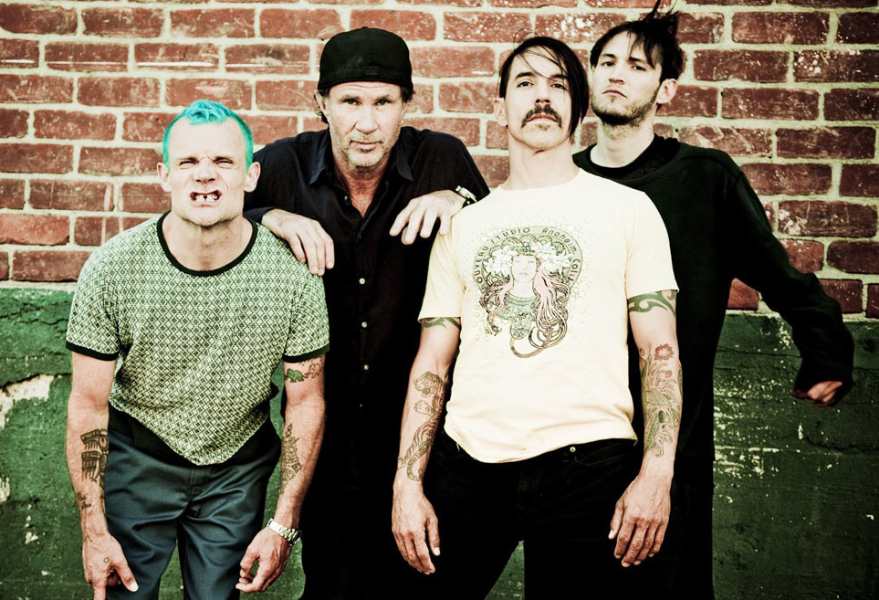 Red-Hot-Chili-Peppers-01