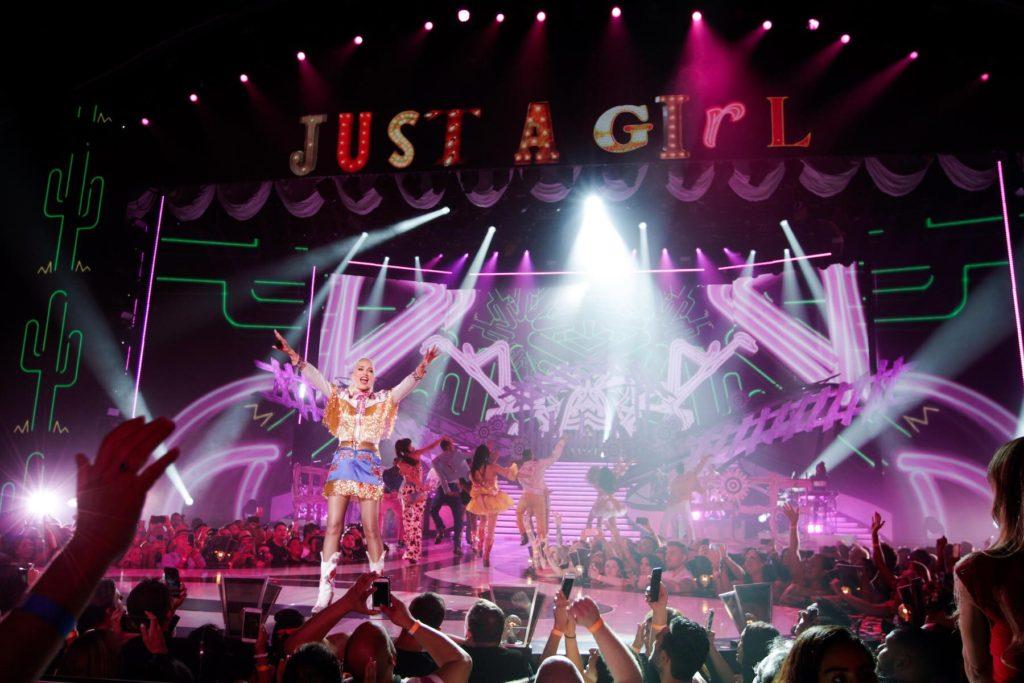 Gwen-Stefani-Just-A-Girl-Show-LV